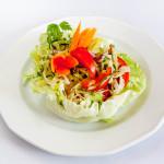 Vitamin saláta pesztóval leöntve
