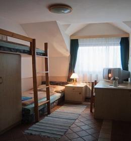 Emeletes ágyas szoba